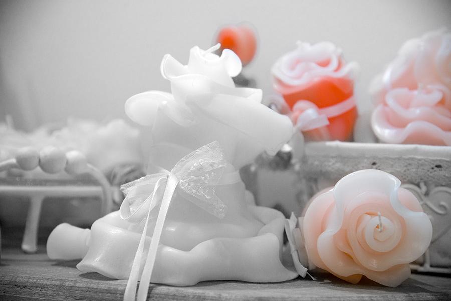 Candela fiore con fiocco in pizzo
