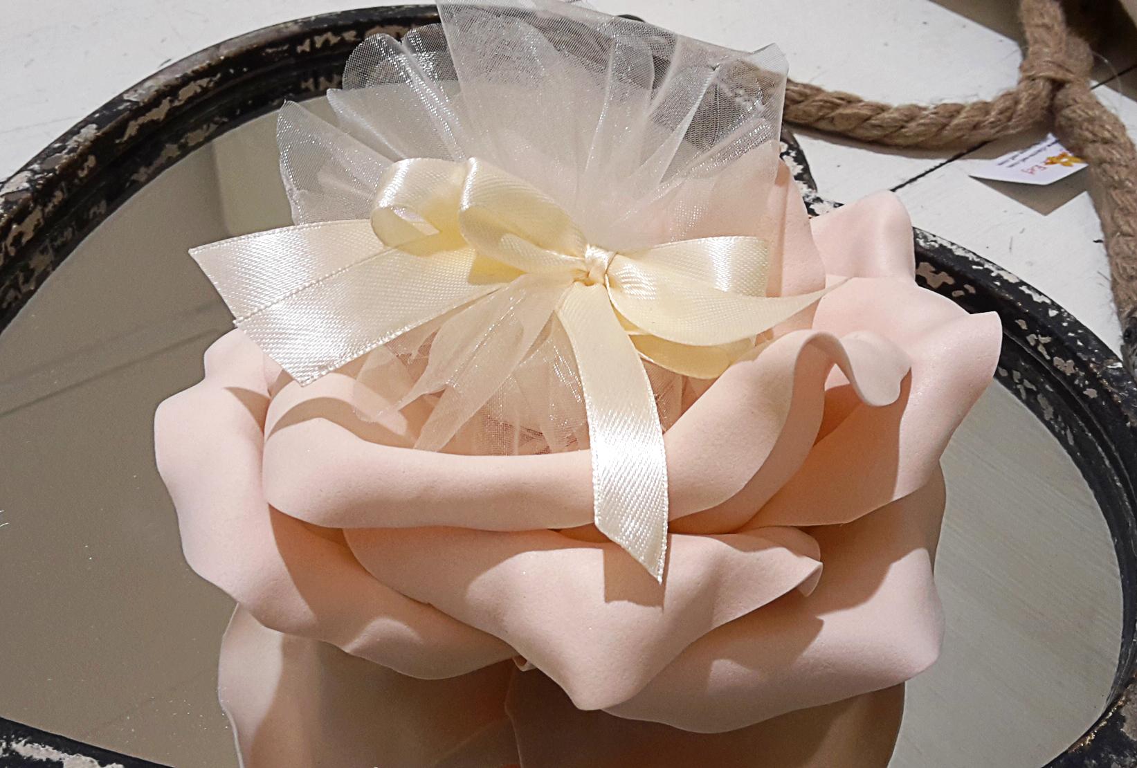 Bomboniera fiore rosa antico
